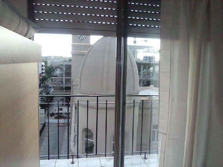 Monoambiente con balcon, muy lindo