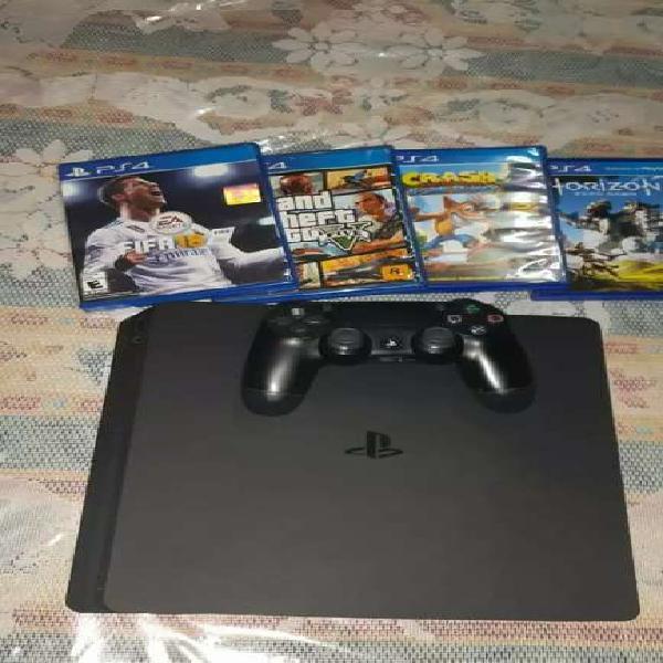 Play station 4 pro 1 tb mas 4 juegos