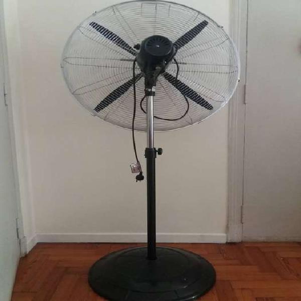 """Se vende ventilador industrial de pie liliana 280w 32"""""""