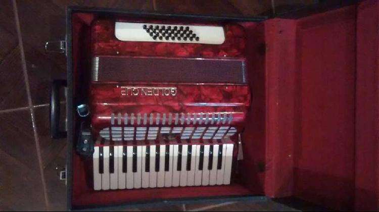Vendo acordeon a piano golden cup, excelente estado