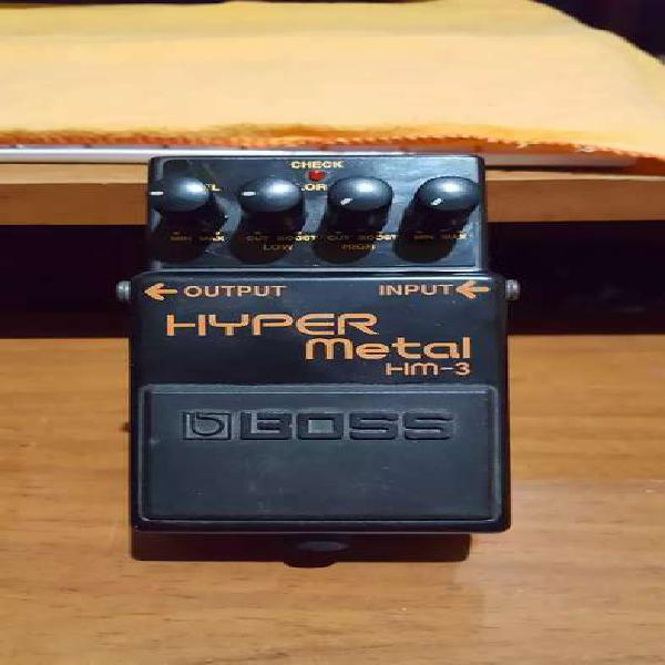 Pedal distorsion boss hyper metal