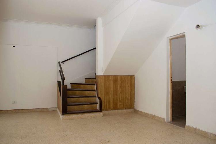 Alquiler ph 3 ambientes en pb 200 m2 sup.total