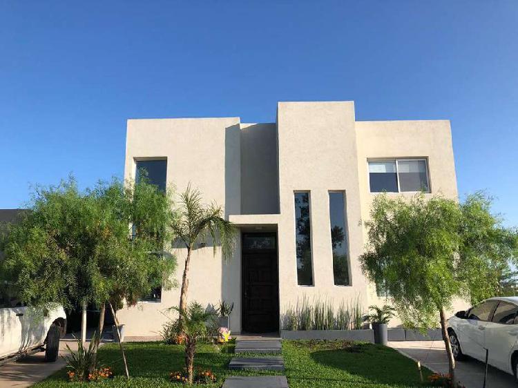 Gb propiedades- excelente casa en venta!!
