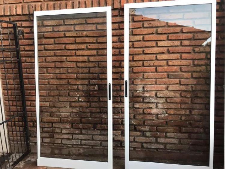 Vendo puerta ventana de aluminio blanco