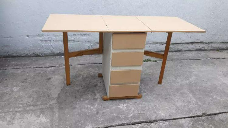 Mesa cajonera con alas robusta muy buena calidad 3500$