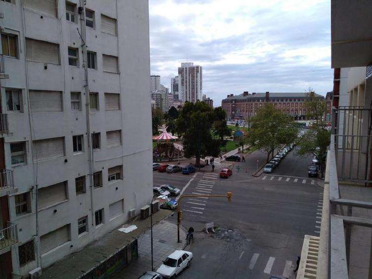3 amb. c/ dep. externo c/balcon - vista lateral plaza colon
