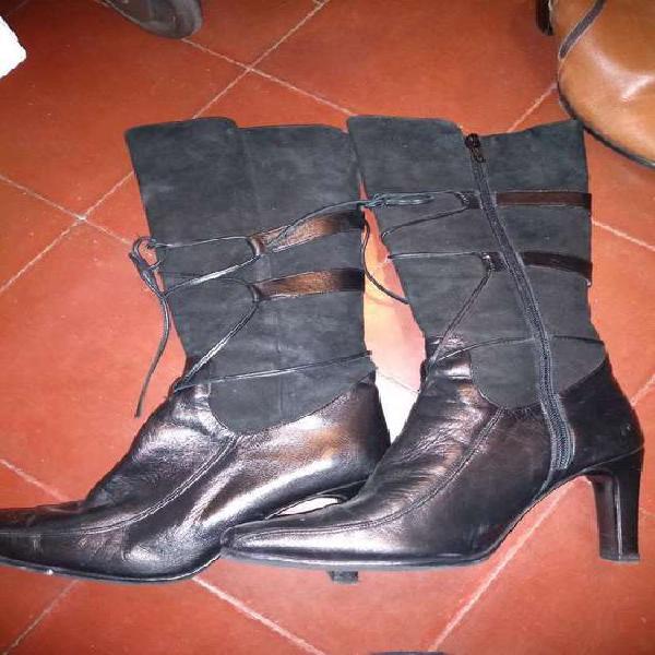 Botas negras gamuza y cuero 37