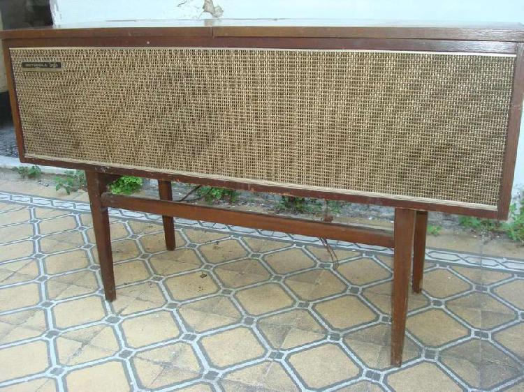 Combinado antiguo motorola, radio tocadiscos, decada del 70