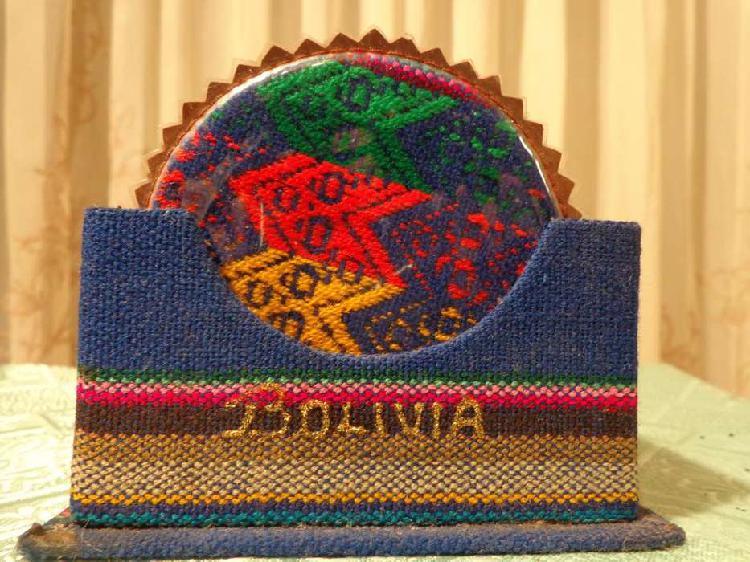 Juego de posa vasos tipicos de bolivia