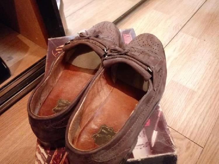 Zapatos de vestir de hombre en cuero, impecables¡