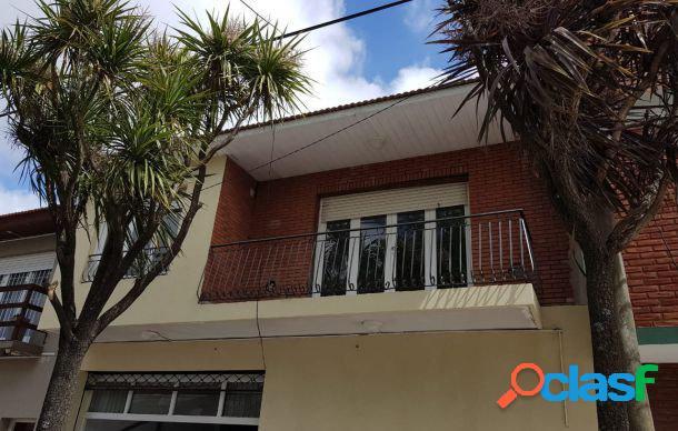 Ph de 2 ambientes c/garage y balcón