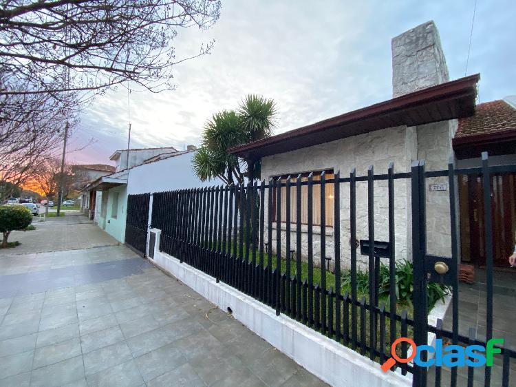 Próximo Parque Luro Chalet 4 ambientes + patio + quincho 1