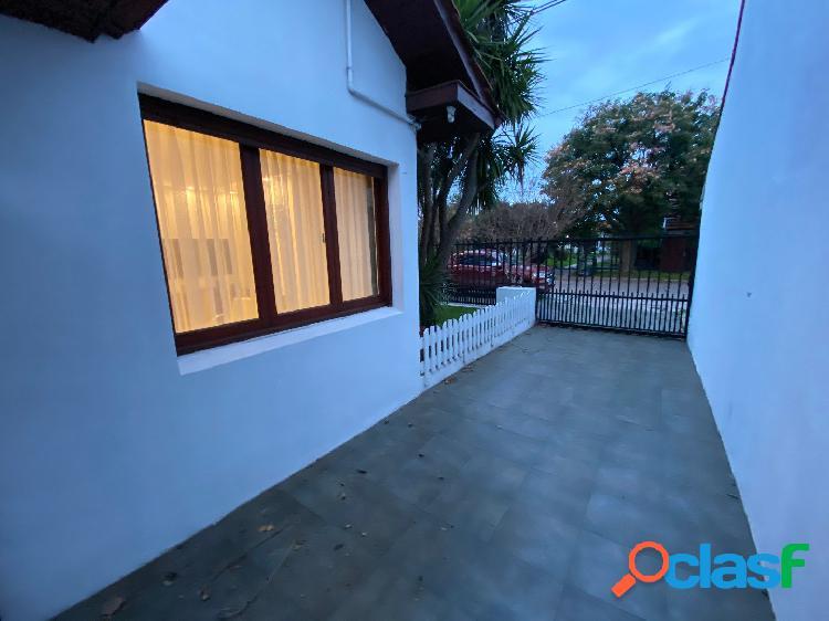 Próximo Parque Luro Chalet 4 ambientes + patio + quincho 2