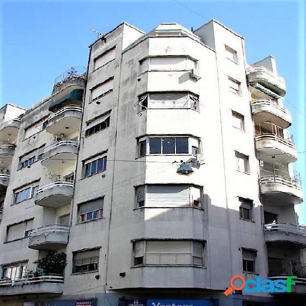Departamento 3 ambientes con balcon terraza y dependencia
