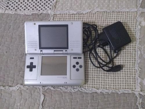 Nintendo ds primera generación + lápiz + cargador