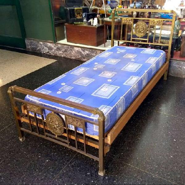 Antigua cama bronce 1 plaza - colchon