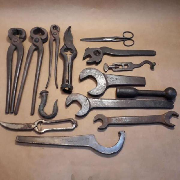 Herramientas antiguas de colección decoración uso