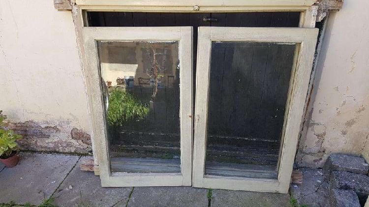 Marco con ventanas 2 hojas. madera