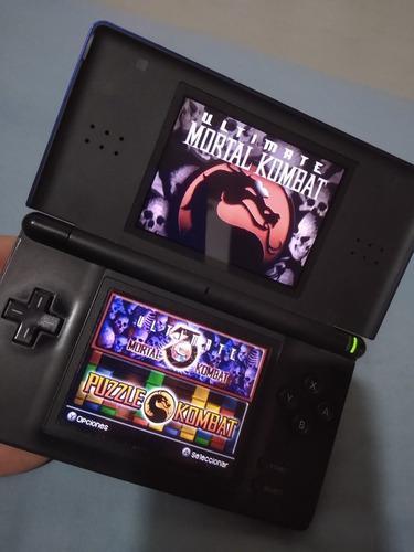 Nintendo ds lite con tarjeta r4 y emuladores