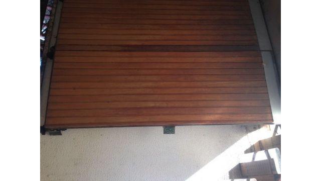Porton garage de madera
