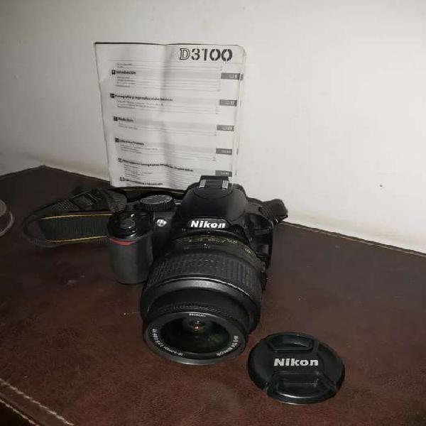 Cámara fotografica nikon con accesorios
