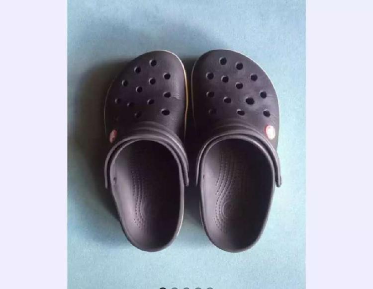 Crocs originales talle 37 como nuevas !!