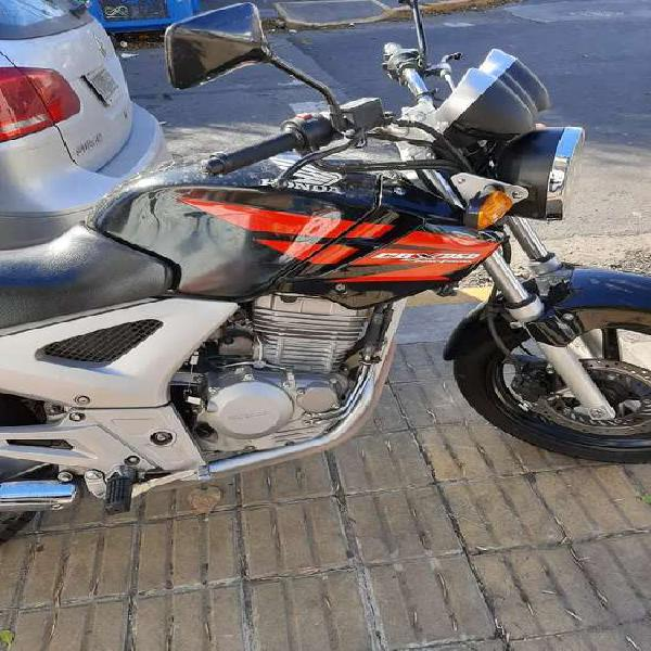 Honda twister 2012 impecable