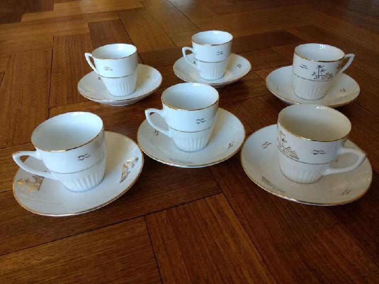 Jgo de tazas con platos para café en porcelana blanca