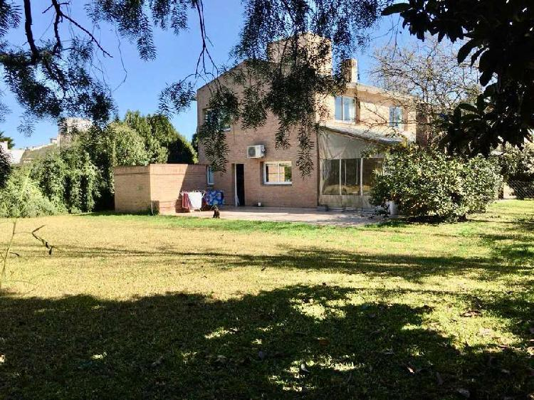 """San isidro, villa allende. estilo chalet contemporáneo"""""""
