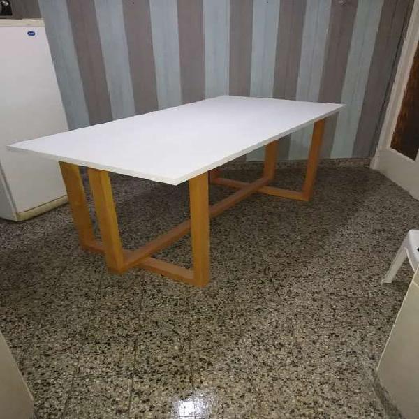 Vendo mesa de madera 20.mil pesos