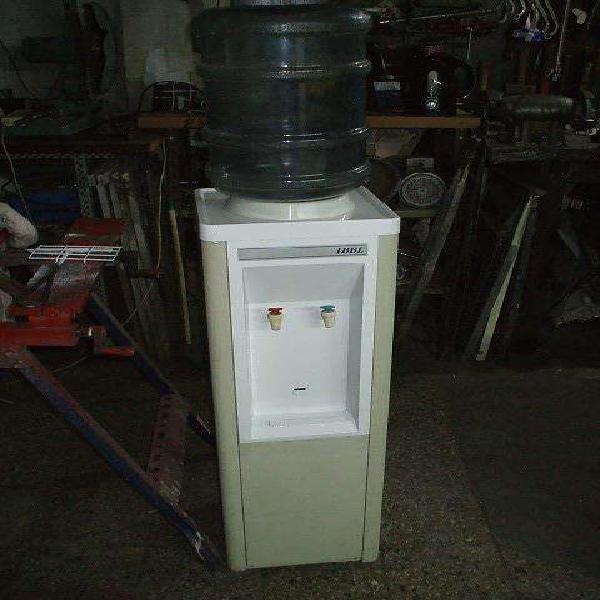 Dispenser agua fria y caliente para bidon en buenas