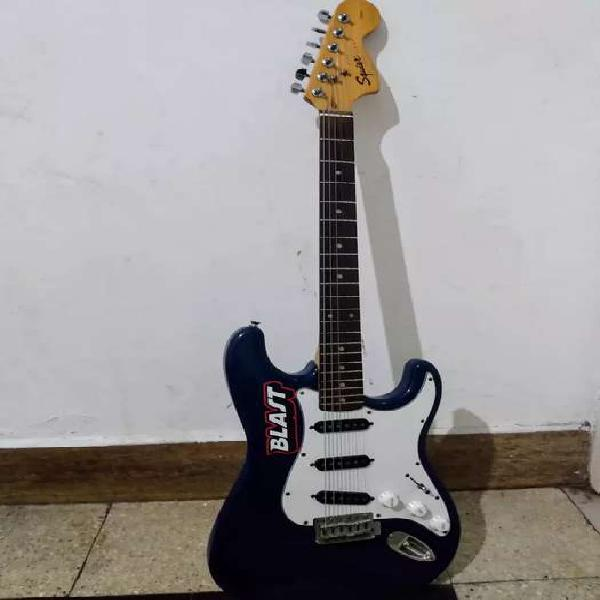 Guitarra squier stratocaster