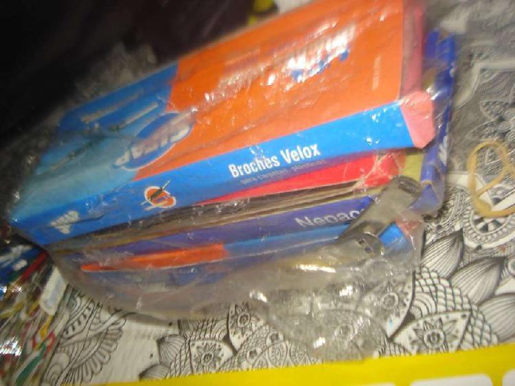 Lote de libreria 4 cajas broches velox sifap y vs. no envio