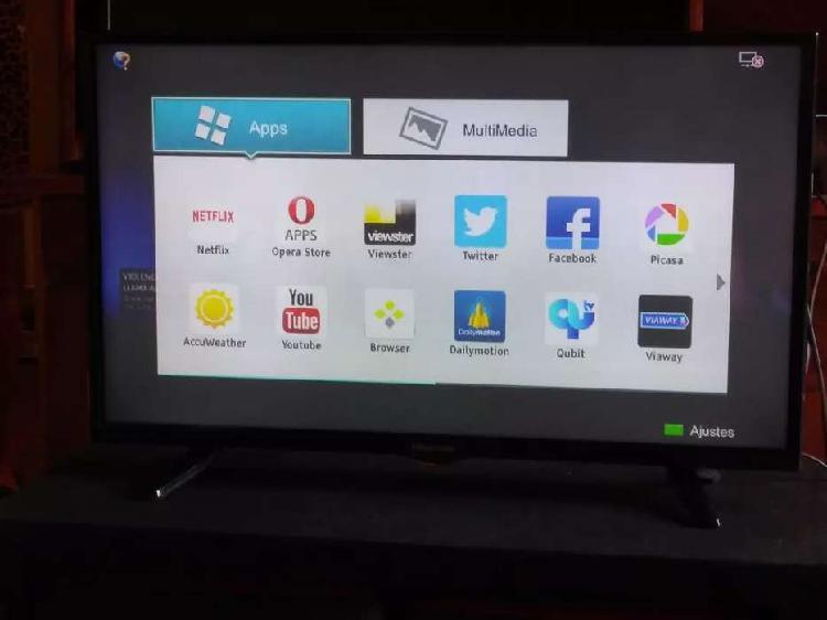 Vendo urgente smart tv de 32 con control funcionando llevo a