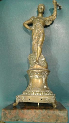 Antigua escultura artista a rucho petit bronce la cosecha