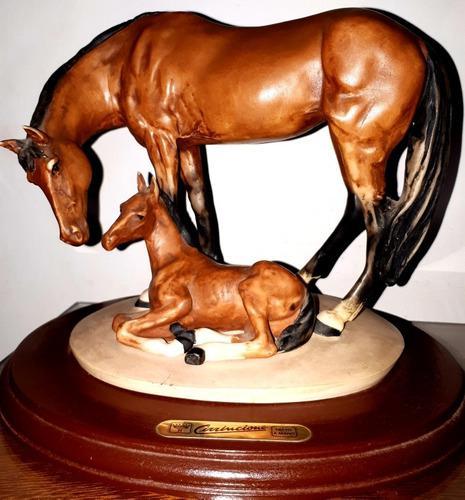 Escultura cirrincione: caballo y cría. origen: italia.