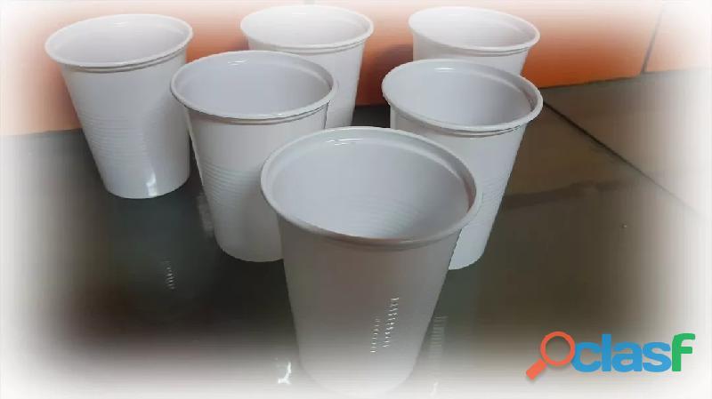Vasos, fraperas y otros modelos de vasos descartables a la venta