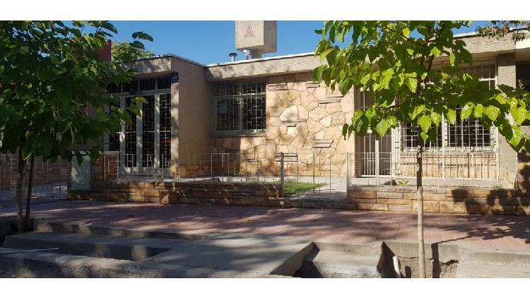 Casa barrio batalla del pilar / calle elpidio gonzalez 633 /