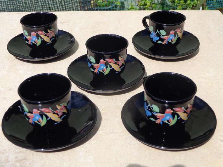 Fino juego de cafe frances color negro con bella decoracion