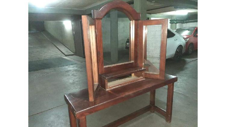 Mueble con cajón y espejo