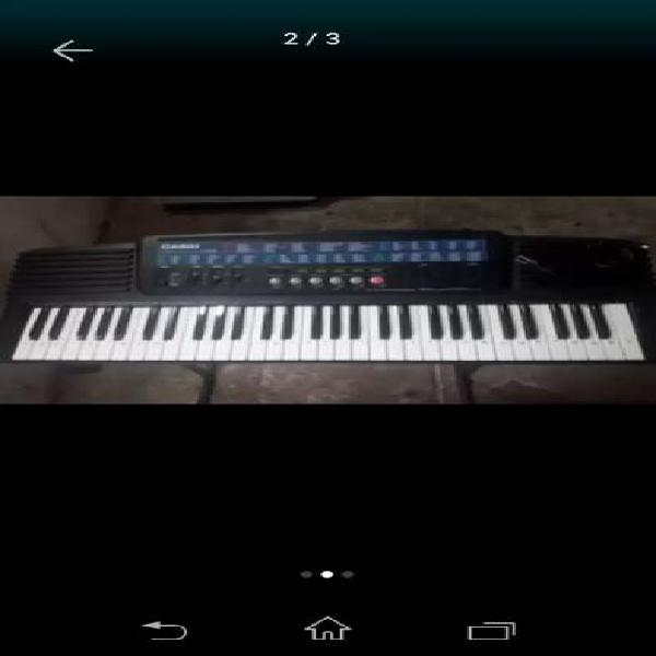 Teclado casio ct647
