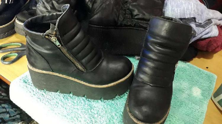 Vendo .ropa calzado de mujer