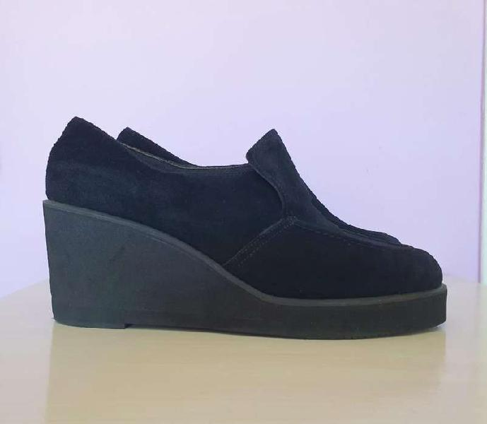 Zapatos gamuza negros n 40 hush puppies