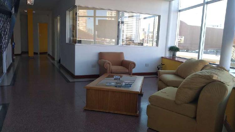 Alquiler 24 meses, impecable piso de oficinas con excelente