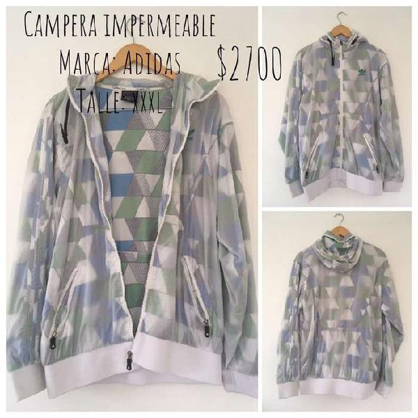 Campera impermeable adidas