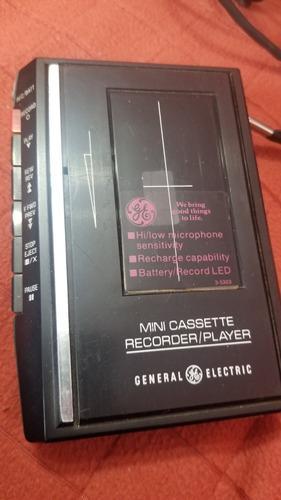 Grabador a cassette periodista. general electric. funciona