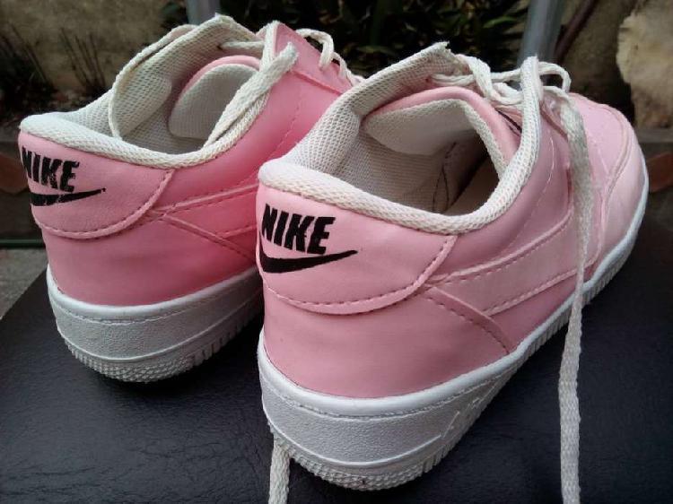 Zapatillas nike mujer impecables! usadas muy poco!