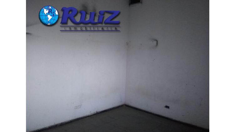Ruiz inmobiliaria alquila local gob. ejercito de los andes