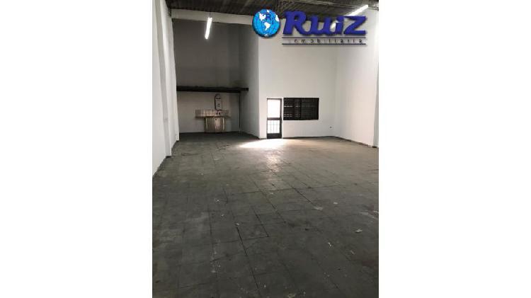 Ruiz inmobiliaria alquila / vende galpon, sobre carril godoy