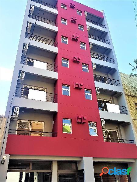 Monoambiente con balcon